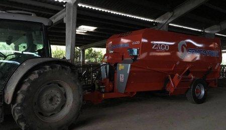 Agroem entrega un carro Zago a Mario de Cardo - Asturias