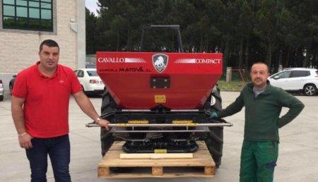 Agricola Matova Entrega a Hortalizas R. Lopez de Paiosaco,  Abonadora Cavallo Compat