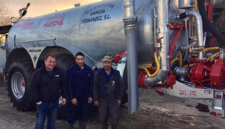 Agricola Matova entrega a Ganadería Garcia Fernandez de Mixon, la Cisterna Herculano