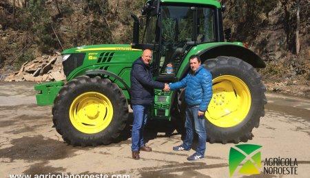 Agricola Noroeste Entrega John Deere  6120M al ayuntamiento de A Pontenova (Lugo)