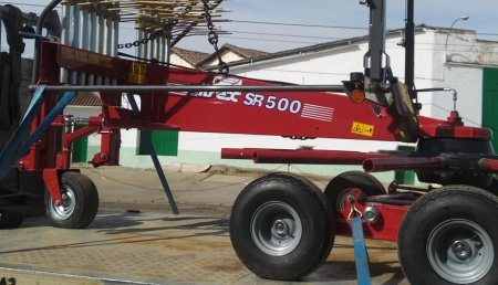 Agrosahagun entrega sitrex SR 500 en Monasterio de Vega a  Jose Antonio Martinez