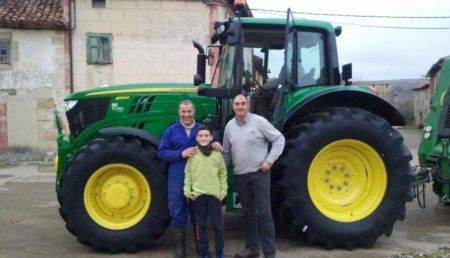 Comercial Agricola Castellana entrega JOHN DEERE 6155M a Luis Mariano Alonso, de Barrio de Santa Maria (Palencia).