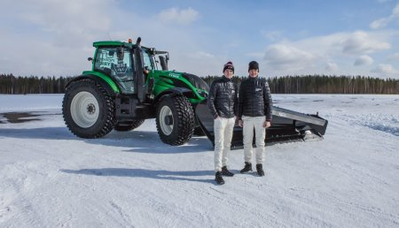 Record Mundial: Un Valtra no Tripulado quita nieve a 73,171 km/h
