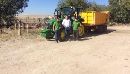 Comercial Agrícola Castellana entrega JOHN DEERE 5125R Americano en Mucientes (Valladolid) a Enrique y Samuel Vaquero Lora