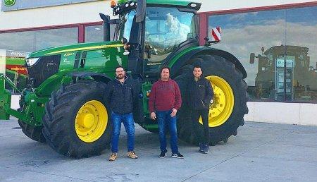 Agrícola Castellana entrega John Deere 6250R Ultimated a  Centeno Roldan