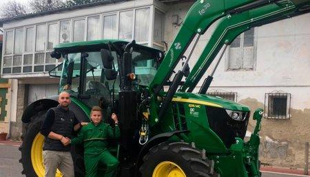 Agrícola Castellana entrega JOHN DEERE 6115MC en Cañeda (Santander) a Amalia López