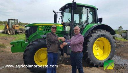 Agricola Noroeste entrega John Deere 6130M a Ganaderia Simval en Rodeiro(Pontevedra)