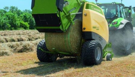 La rotoempacadora controla el tractor