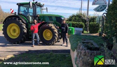 Agrícola Noroeste entrega John Deere 6215R  a Quesería  Artesanal Campo Prieto