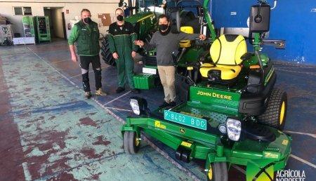 Agricola Noroeste entrega John Deere 5125R - John Deere X950R - Giro Zero John Deere Z997R a AYUNTAMIENTO DE VIGO