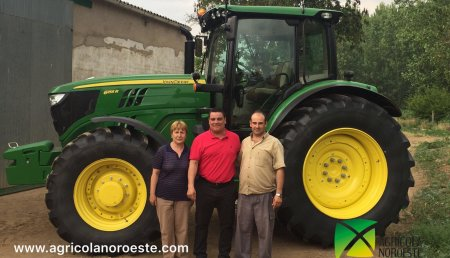 Agricola Noroeste Entrega John Deere  6155R a Fernando