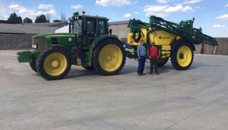 Agricola Castellana entrega de pulverizador JOHN DEERE modelo M740I a la Sociedad Cooperativa Fernisa, de Villamoronta (Palencia)