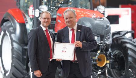 """Dos tractores de Case IH se alzan con el premio """"Máquina del Año 2019"""" en SIMA"""