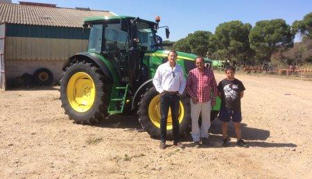 Comercial Agrícola Castellana SL Entrega John Deere 6115 MC de la empresa Feroes AG SL para la bodega CopaBoca, de Tordesillas (Valladolid).