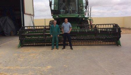 Comercial Agrícola Castellana entrega de cosechadora JOHN DEERE W440, a Teodoro Llorente Fraile, de Ciguñuela (Valladolid).