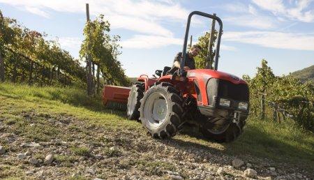 Vredestein presenta su nuevo neumático para tractores compactos