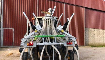 Agricola Matova entrega a Finca A Cheda de Frades del aplicador de purín Joskin Terraflex 5200/13 SHK.