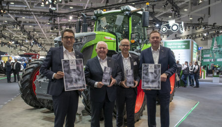 "El Fendt 900 Vario recibe el premio a la máquina del año ""Machine of the Year"""