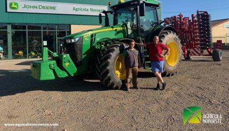 Agrícola Noroeste  entrega John Deere 8245R a Hnos Sandoval