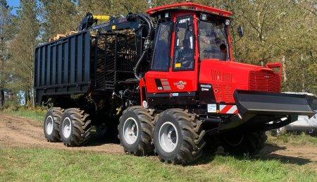 Hitraf entrega Komatsu 835 - 8WD a Maderas Vilas.