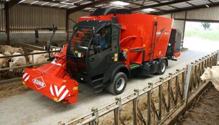Mezcladores de alimento Kuhn para el ganado: velocidad y rendimiento garantizados