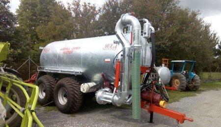 Agricola Veres entrega Cisterna Moga para a zona de Cambás- Guitiriz (Lugo)