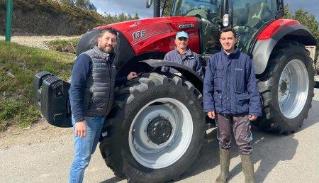 Agricola Calvo entrega CASE IH maxxum 135  a Manuel Campo Gómez en Meiroi (Ribeira de Piquin) Lugo
