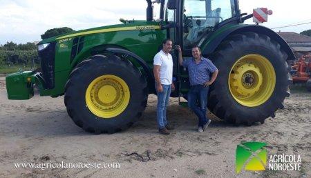 Agrícola Noroeste entrega John Deere 8245R a Raul