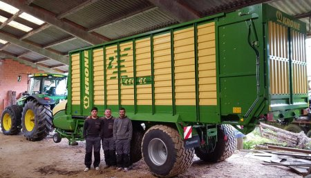 Millares Torron Entrega a SERVICIOS AGRICOLAS CARLEA (Castro de Rei-Lugo),  picador, KRONE ZX-450 GL
