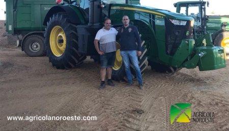 Agrícola Noroeste entrega John Deere  8245R a La Polvorosa SC
