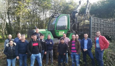 Fearmaga organizó un curso formativo de uso y mantenimiento de tractores dirigido a trabajadores del sector forestal