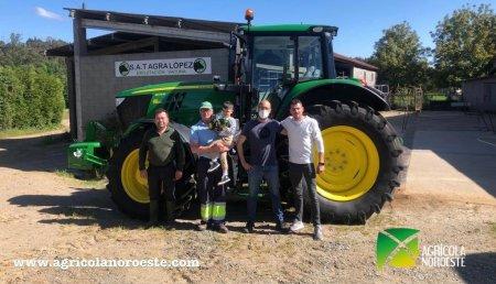 Agrícola Noroeste entrega John Deere 6175M a Faustino y Jose son 2 socios de Santiso (A Coruña)