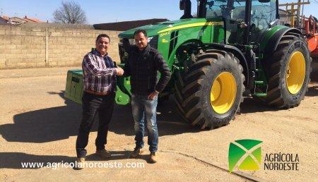 Agricola Noroeste Entrega John Deere  8345R a Nivelaciones Carremar S.L  en la provincia de León.
