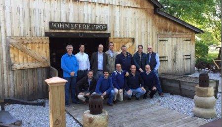 """John Deere celebra el 50 aniversario de seis """"Concesionarios de Mañana"""" con un viaje al origen de su historia en EEUU"""