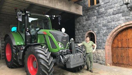 Agricola Patricio entrega FENDT 716 VARIO a Toyo de ganadería Los Leones, en Carreño