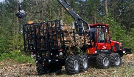 Hitraf entrega en Ponteceso Komatsu Forest AB 855 - 8WD a forestales Menpa del Bosque