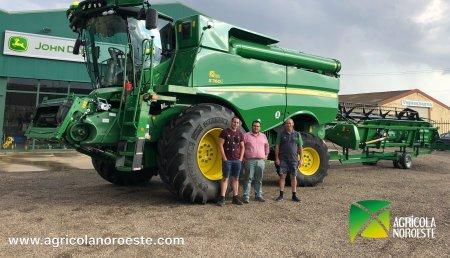 Agrícola Noroeste entrega cosechadora John Deere S700