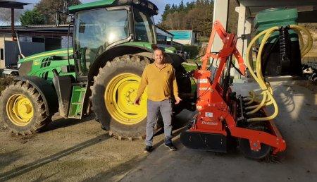 Tecnor Lalin Maquinaria entrega kubota-kverneland PH2301 en Ligonde,Monterroso a Ganaderia Melchor SC.