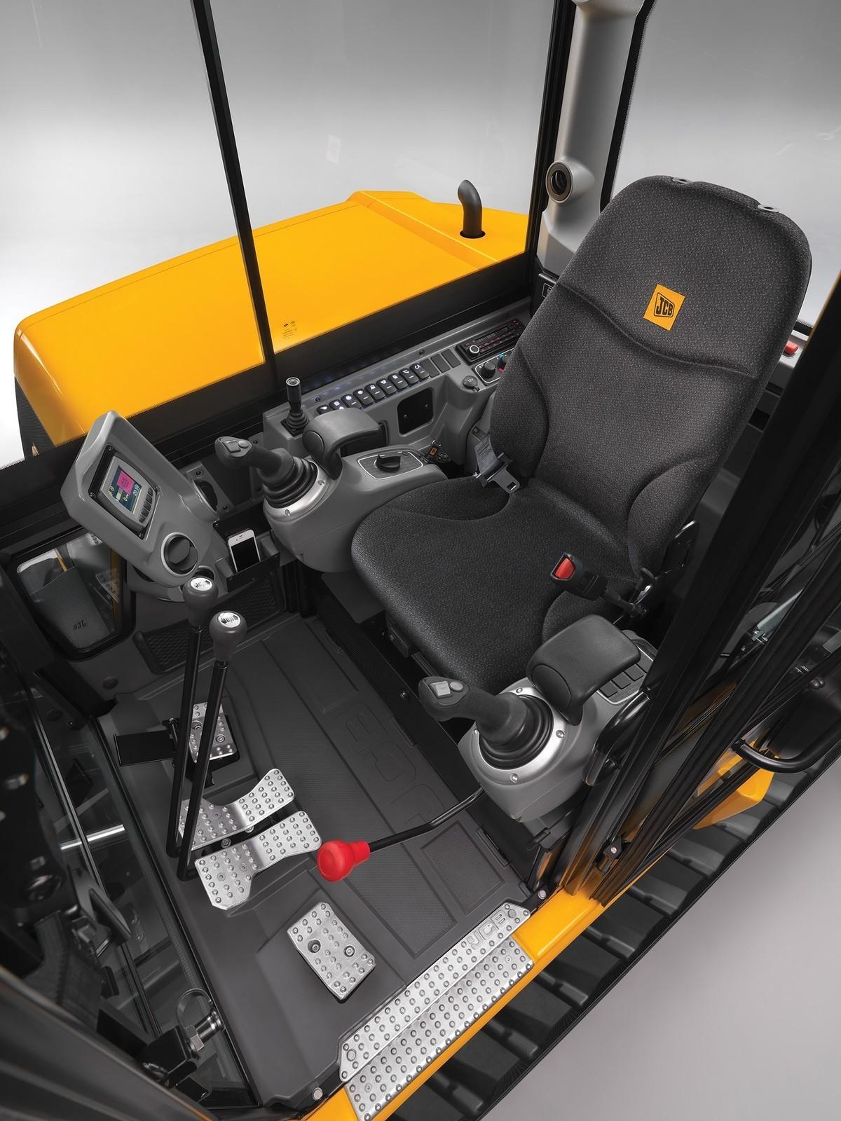 JCB amplía su gama de midiexcavadoras con un nuevo... - TractorPasión
